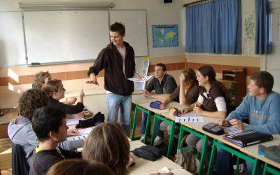 Les établissements recrutent des enseignants